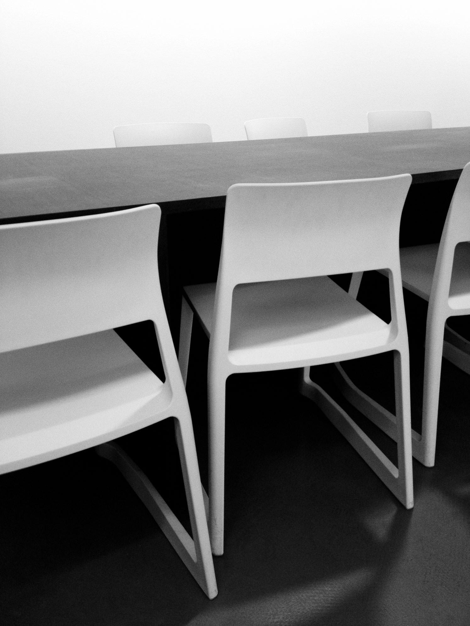 B/W Image, Kunstverein FN – Tip Ton Chair
