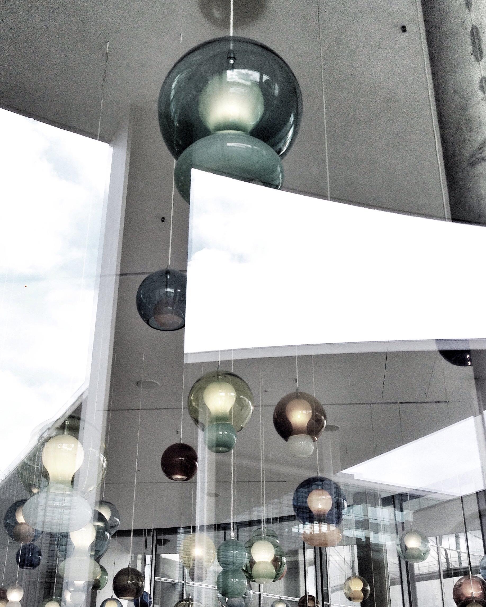 Lampen, Restaurant Paul-Löbe-Haus, Platz der Republik 1, Berlin, May 2016