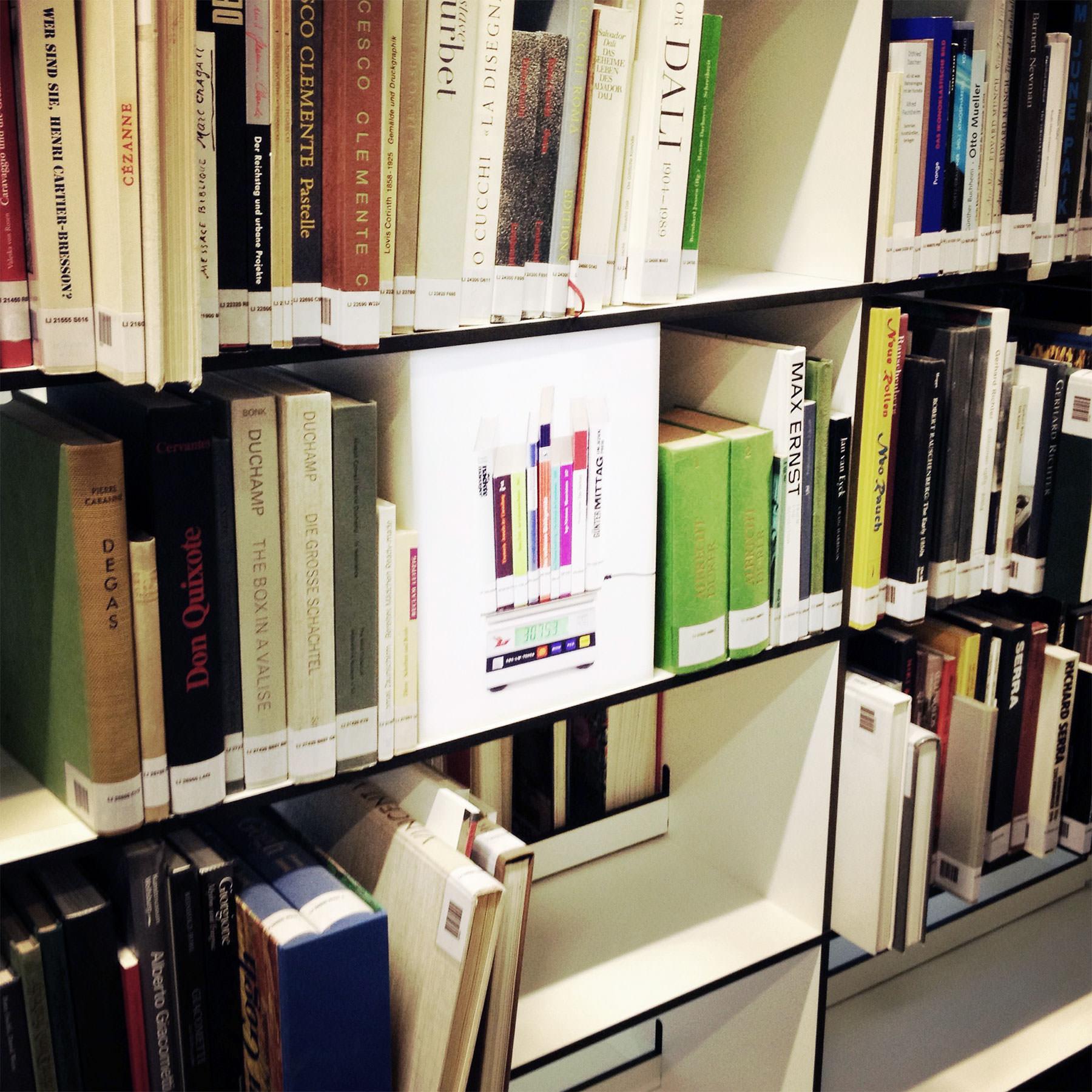 Intertext Leuchtkasten – Zeppelin Universität, Projekt Christof Salzmann